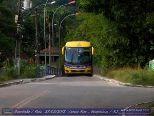 carro 234 na ponte